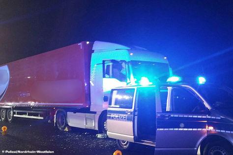 Führerloser Lkw auf der A1 gestoppt