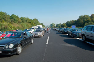 Fahrverbot fürs Wenden in Rettungsgasse