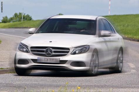 Mercedes C-Klasse: Unfall nach illegalem Rennen
