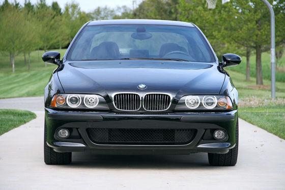 BMW M5 vs. Mercedes E 55 AMG