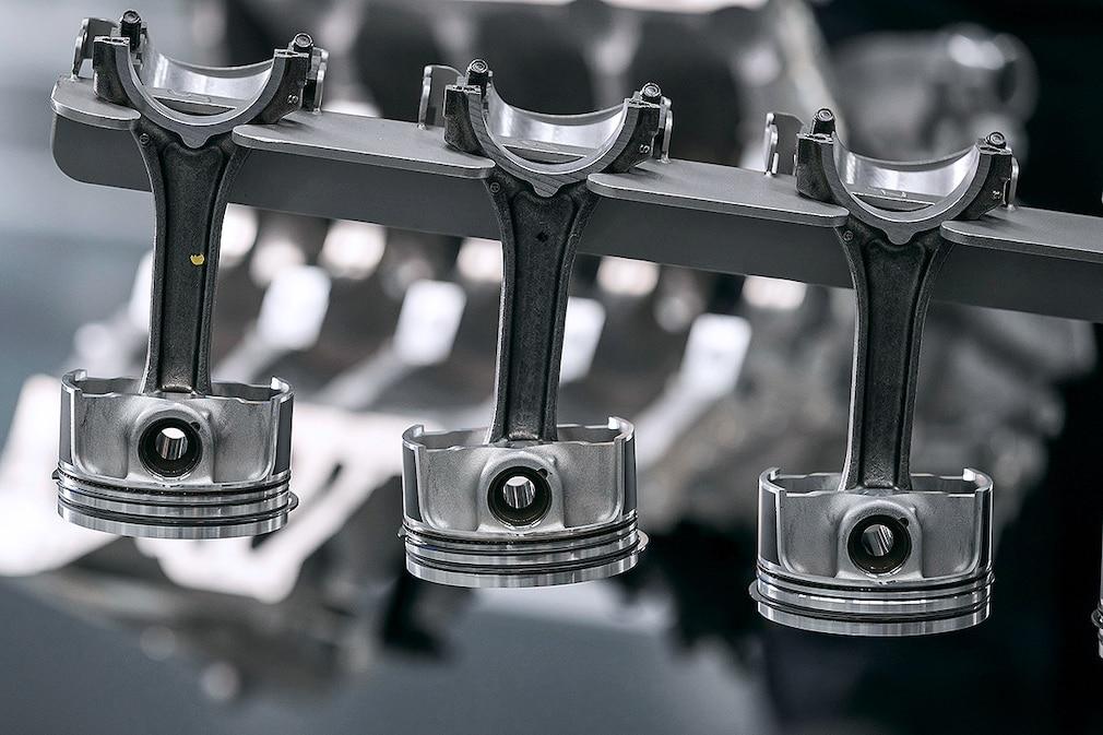 Mercedes-AMG 2.0 Liter Vierzylinder-Turbomotor M139 Produktion  !! Sperrfrist 07. Juni 2019 00.01 Uhr !!
