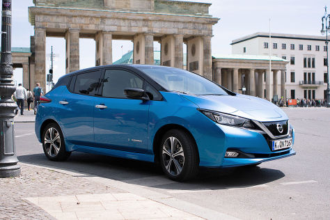 nissan leaf e 2019 test tekna reichweite preis. Black Bedroom Furniture Sets. Home Design Ideas