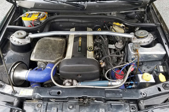 Escort RS Cosworth mit Monster-Flügel