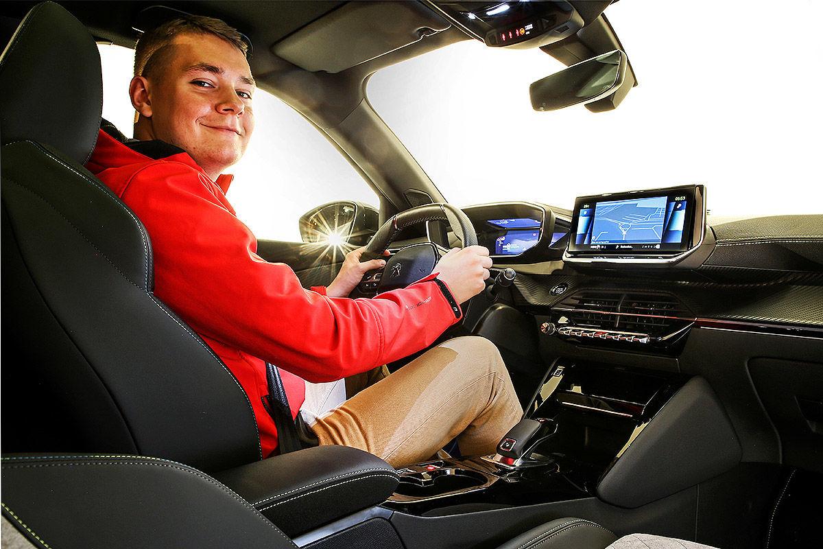 Peugeot 2008 II (2019) 19