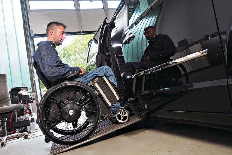 Auto Fahren Mit Handicap Behindertengerechte Spezialumbauten