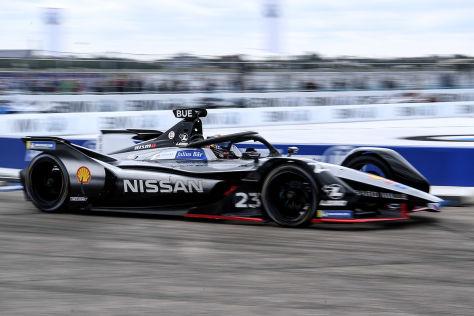 Nissan-Doppelmotor verboten!