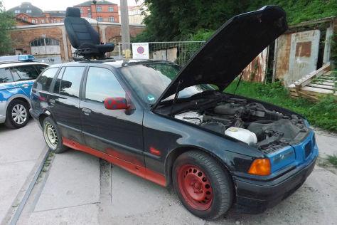 BMW 3er E36 Touring: Beifahrersitz auf Dach befestigt
