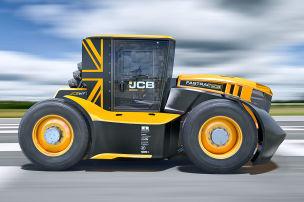 Irre, wie schnell dieser Traktor f�hrt!