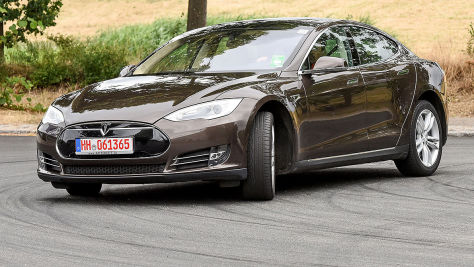 Tesla Model S im Gebrauchtwagen-Test