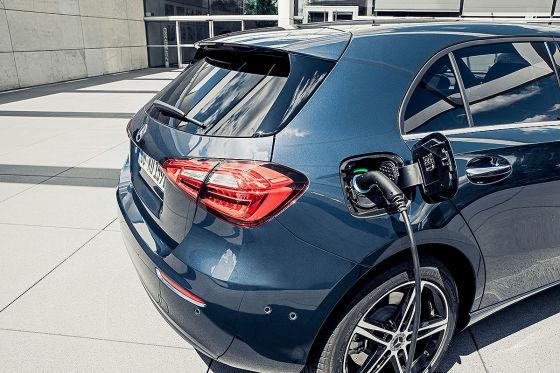 Hybrid-A-Klasse schafft elektrisch 140 km/h!