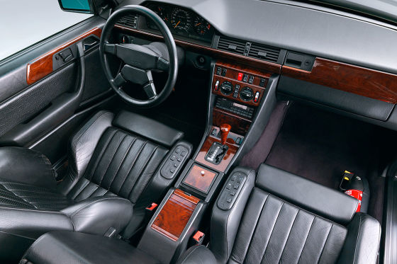 Mercedes AMG 300 CE 6.0: Klassiker des Tages