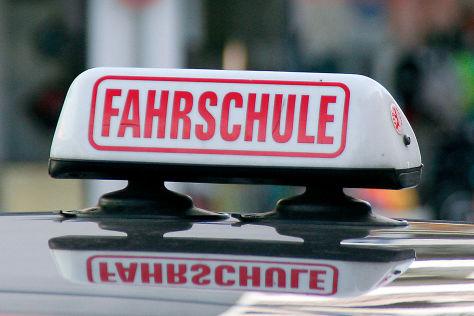 Fahrschule: Automatik statt Schaltgetriebe