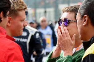 Mick Schumacher tröstet Huberts Mutter