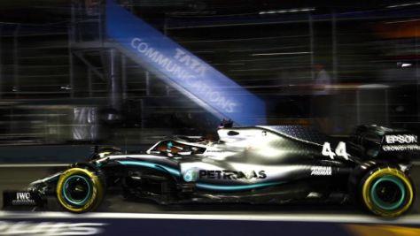 Formel 1: Mercedes in Singapur vorne
