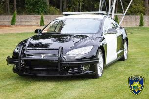Tesla Model S mit leerer Batterie