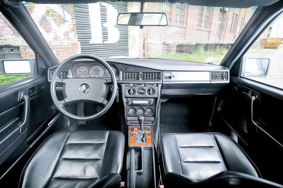 Mercedes 190 E 2.5-16: Klassiker des Tages