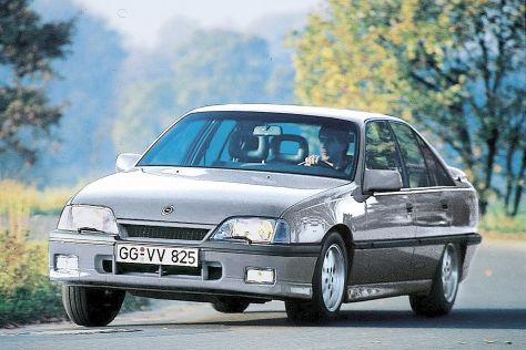 Opel Omega 3000 24V: Motor, Leistung