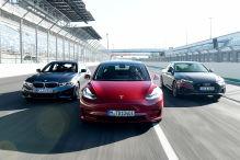 Model 3 greift A4 und 3er an
