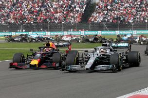 Hamilton ledert gegen Verstappen
