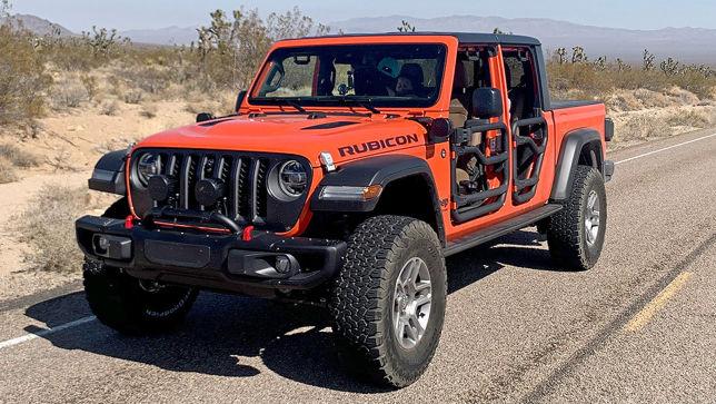 Erste Fahrt im Riesen-Jeep