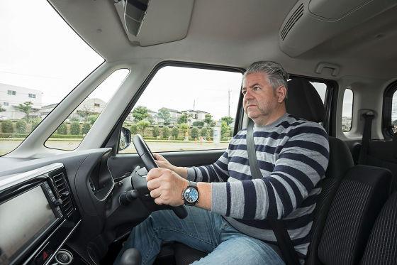 Im Schrumpf-Nissan kann man fernsehen