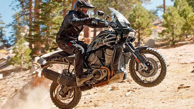 Harley Davidson bringt BMW GS-Gegner