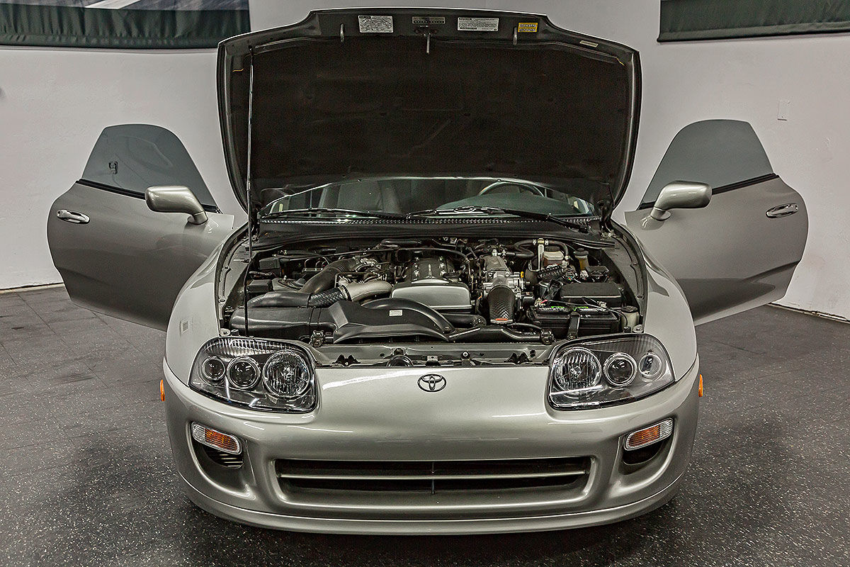 Toyota Supra zum Rollr Royce-Preis