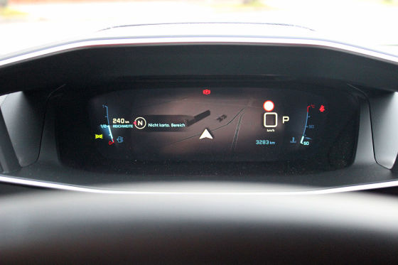 Peugeot 208 im Connectivity-Check