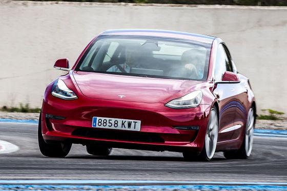 Tesla Cybertruck (2012): Form, Material, Meinung
