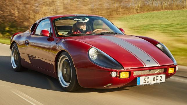 Ausfahrt in der Porsche-Replika