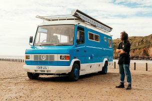 Kasten-Benz wird zur coolen Surferbude