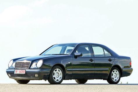 Daimler: Mercedes mit Rost und Bremsproblemen