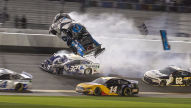 NASCAR: Schwerer Unfall