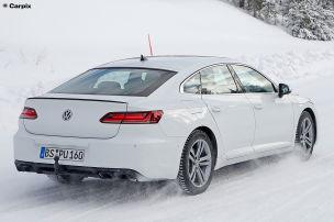 VW Arteon R (2020): Erlkönig