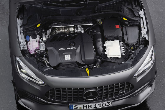 Mercedes-AMG legt den A 45 höher!