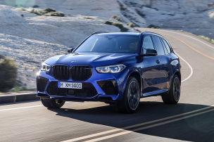 So krass schiebt der BMW X5 M