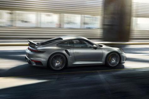 Porsche 911 Hybrid (2022)
