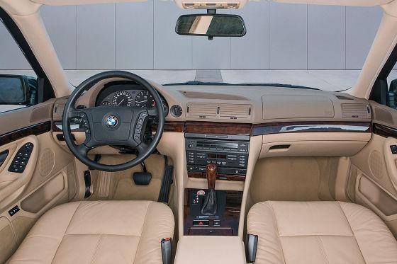 BMW 7er-Zeitkapsel wird versteigert