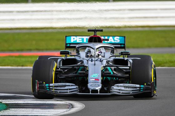 Hamilton bekennt sich zu Mercedes