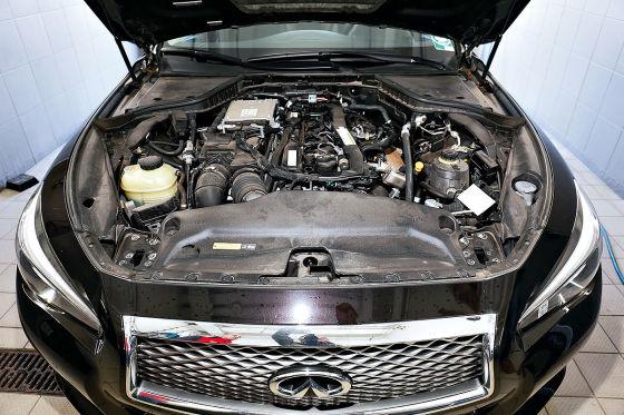 Jaguar XE 20d, Infiniti Q50 2.2d