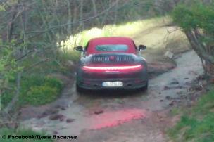Was macht dieser Porsche 911 da?