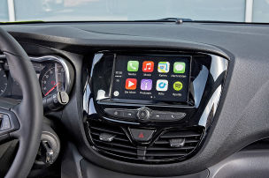So kommen Apple und Android ins Auto