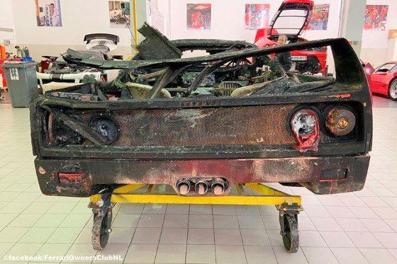 Ausgebrannter F40 wird neu aufgebaut