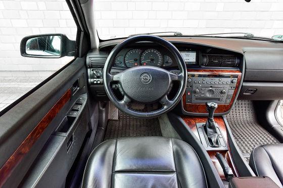 Opel Omega 3.0 V6