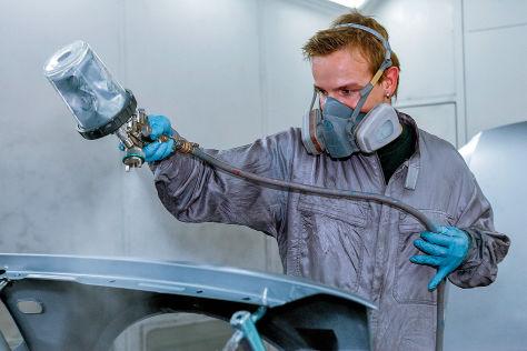 Auto lackieren: Kosten, Anleitung