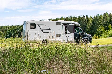 Reisemobil-Urlaub: Ist Campen am Straßenrand erlaubt? - autobild.de