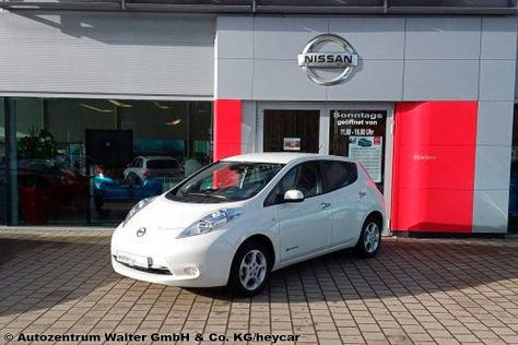 Nissan Leaf Acenta: gebraucht günstiger als Neuwagen mit Prämie! - autobild.de