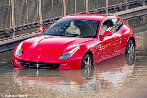 660-PS-Ferrari geht b�se baden!