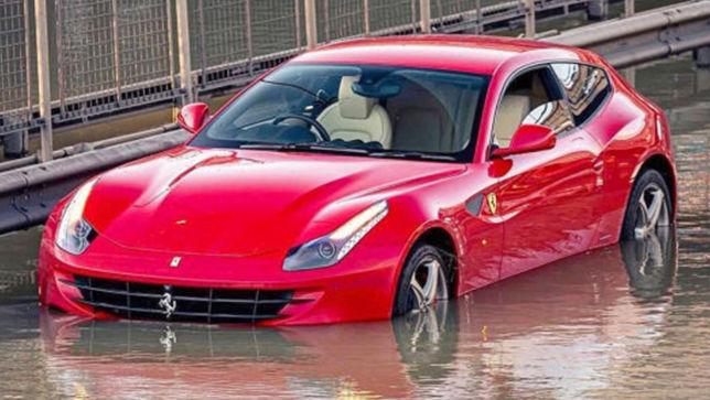 Dieser 660 PS starke Ferrari FF ging baden!