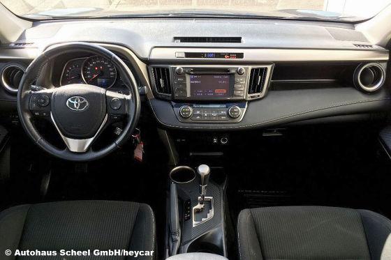 Dieser Toyota RAV 4 bietet viel SUV für wenig Geld!